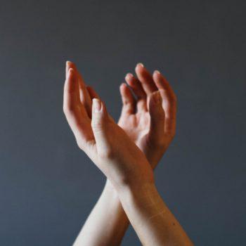 ICOM: conectando surdos com ouvintes no dia a dia